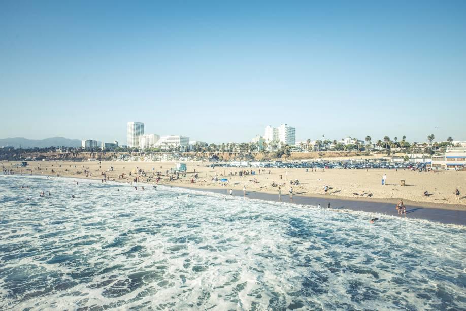 Santa Monica é muito popular entre os jovens no verão porque é um lugar moderno e sustentável