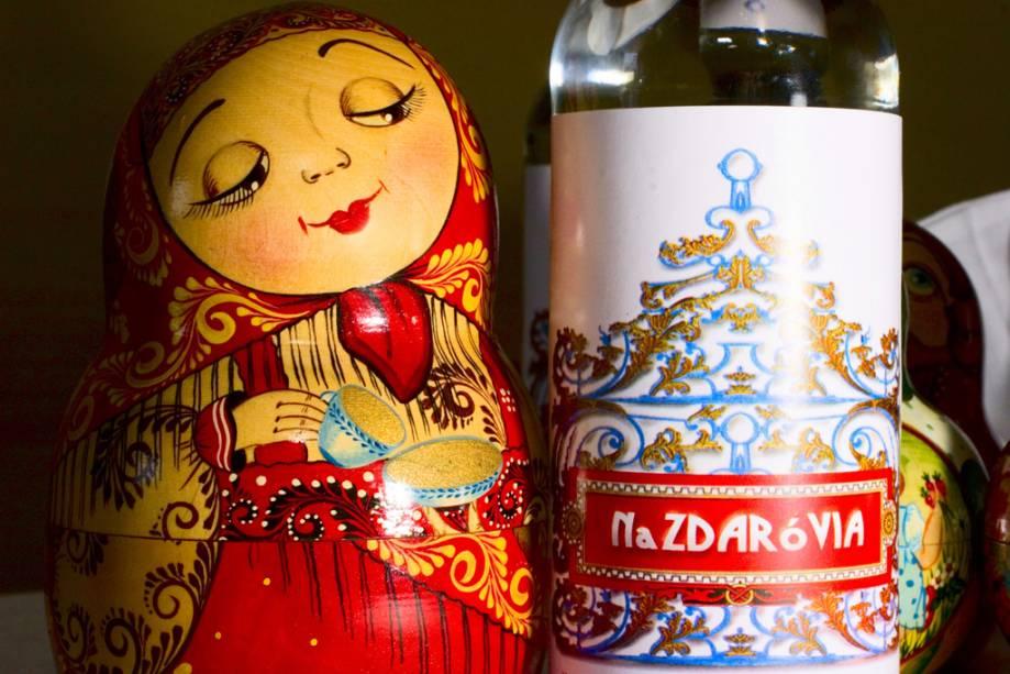 Vodka artesanal Nazdarov produzida no restaurante Dona Irene, parada obrigatória em Teresópolis
