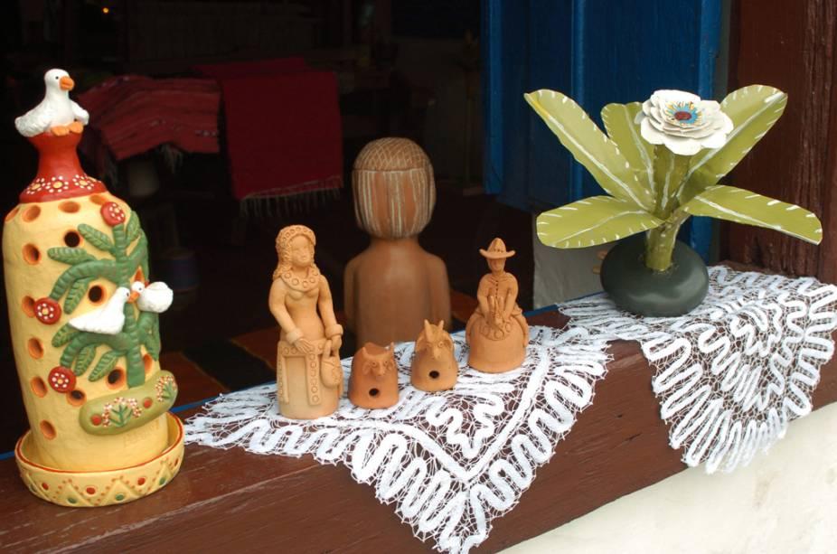 Peças em exposição na Casa Açoriana, galeria de arte e museu de arte popular de Florianópolis
