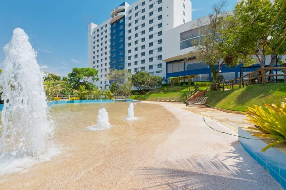 """Parque aquático""""http://viajeaqui.abril.com.br/estabelecimentos/br-go-caldas-novas-hospedagem-ecologic-ville-resort-spa"""" rel =""""Ecological Ville Resort & Spa"""" Objetivo =""""_vazio""""> Ecological Ville Resort & Spa em Caldas Novas, Goiás"""" class=""""lazyload"""" data-pin-nopin=""""true""""/></div> <p class="""