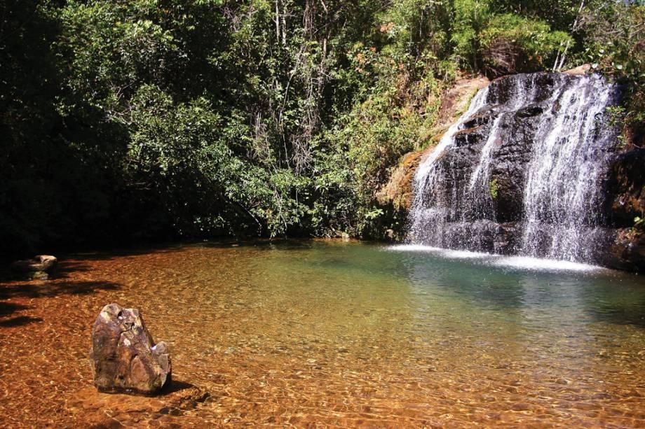 """Com piscinas, rios lentos, saunas e escorregadores, os clubes de spa são""""http://viajeaqui.abril.com.br/cidades/br-go-caldas-novas"""" rel =""""Caldas Novas"""" Objetivo =""""_vazio""""> Caldas Novas em Goiás é ideal para crianças e adultos.  Mas também há muita natureza na cidade.  Cachoeira da Cascatinha na foto em""""http://viajeaqui.abril.com.br/estabelecimentos/br-go-caldas-novas-atracao-parque-estadual-da-serra-de-caldas-novas"""" rel =""""Parque Estadual da Serra de Caldas Novas"""" Objetivo =""""_vazio""""> Parque Estadual Serra de Caldas Novas"""" class=""""lazyload"""" data-pin-nopin=""""true""""/></div> <p class="""
