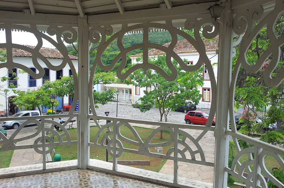 O pavilhão de música da praça principal da cidade foi construído no século 20 e, embora decorado em estilo Art Nouveau, também faz parte do patrimônio histórico de Goiás (GO).