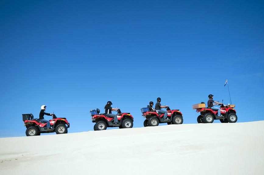 Kalbarri é uma cidade 550 km ao norte de Perth, onde veículos off-road podem ser usados para navegar pelas trilhas