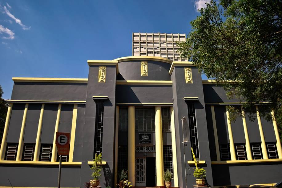 Museu Goiano Zoroastro Artiaga abriga obras de artistas locais, exposições paleontológicas e a história de Goiás.