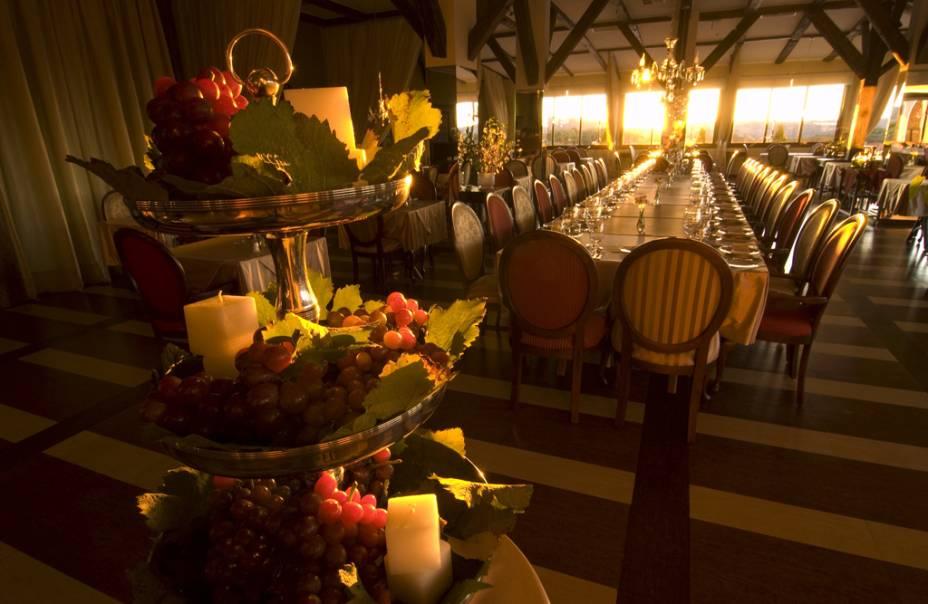 Interior do restaurante Leopoldina no Villa Europa Hotel & Spa do Vinho Caudalie Vinoterapia no Vale dos Vinhedos em Bento Gonçalves