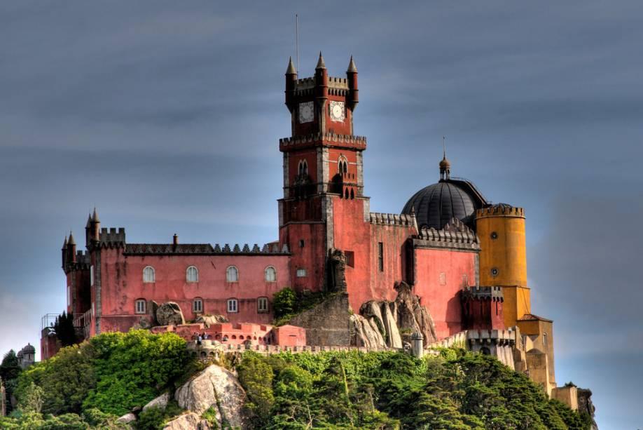 O Palácio da Pena é um dos grandes castelos-palácios de Sintra
