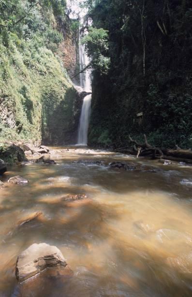 O Bairro do Patrimônio é repleto de cachoeiras e piscinas naturais onde você pode se refrescar.