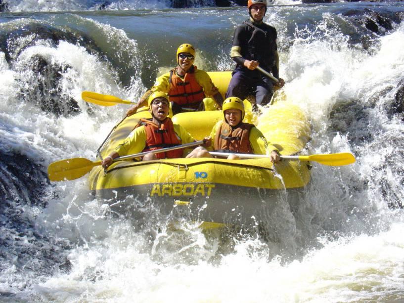 O Rafting no Jacaré-Pepira em Brotas (SP) é imperdível para os amantes de aventura.