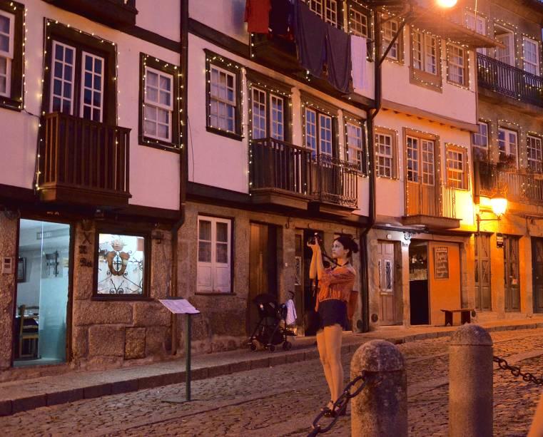 As ruas de Guimarães à noite
