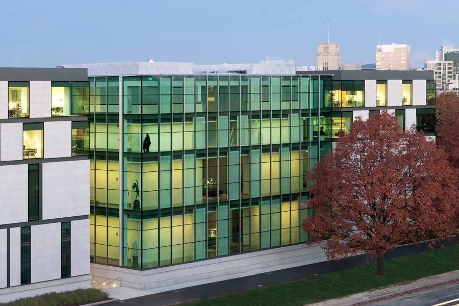 """O gigante""""http://viajeaqui.abril.com.br/estabelecimentos/estados-unidos-boston-atracao-museum-of-fine-arts"""" rel =""""Museu de Belas Artes"""" Meta =""""_vazio""""> O Museu de Belas Artes oferece galerias de arte contemporânea e exposições com obras do período clássico"""" class=""""lazyload"""" data-pin-nopin=""""true""""/></div> <p class="""