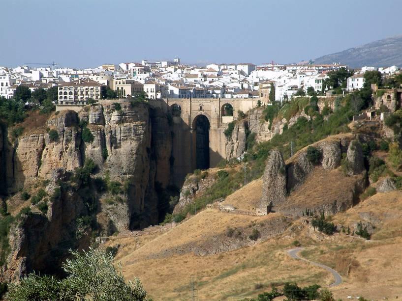 Vista geral da Ronda com a Ponte Nova no centro