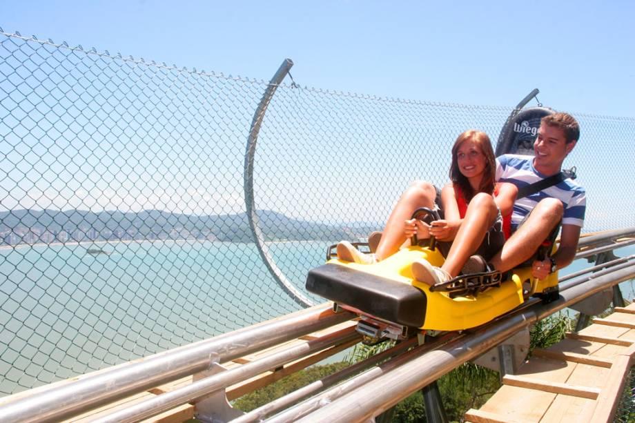 Um dos atrativos do Parque Unipraia é o Youhooo, um trenó de montanha que desce a 600 metros e pode chegar a 60 km / h