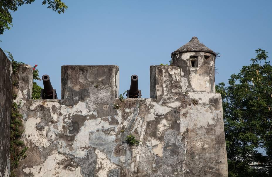Assim como Fortaleza do Monte (Monte Forte), de onde você tem uma vista incrível do centro histórico.