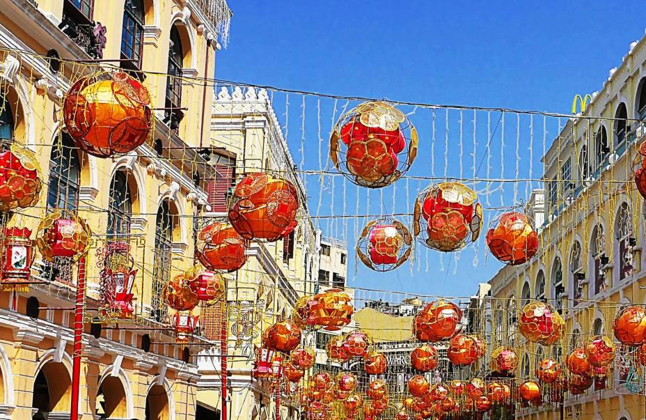 Decoração de Ano Novo Chinês no Largo do Senado.