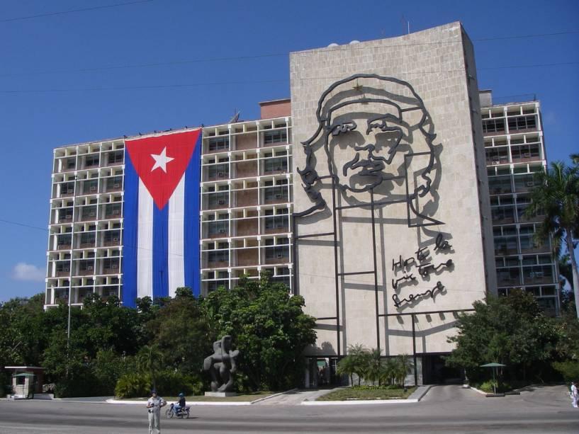 Ministério do Interior em Havana: Hasta la Victoria Siempre, Che é a bandeira