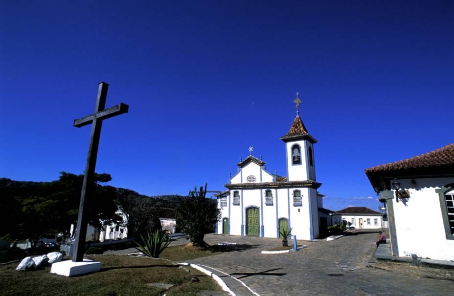 Em frente à igreja de Nossa Senhora do Rosário ficam a Cruz da Gameleira e o Chafariz do Rosário