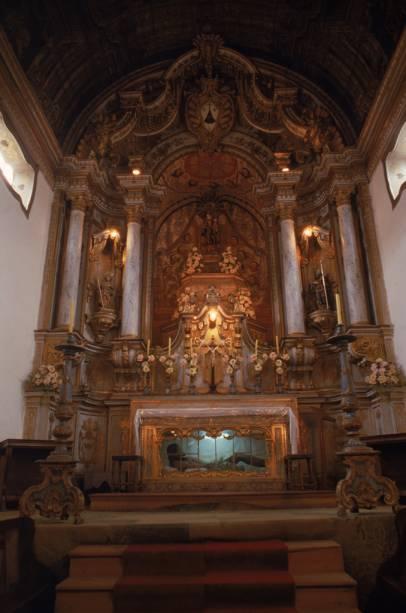 A igreja mais rica da cidade, Nossa Senhora do Carmo, tem altares dourados e pinturas portuguesas do século XVIII.