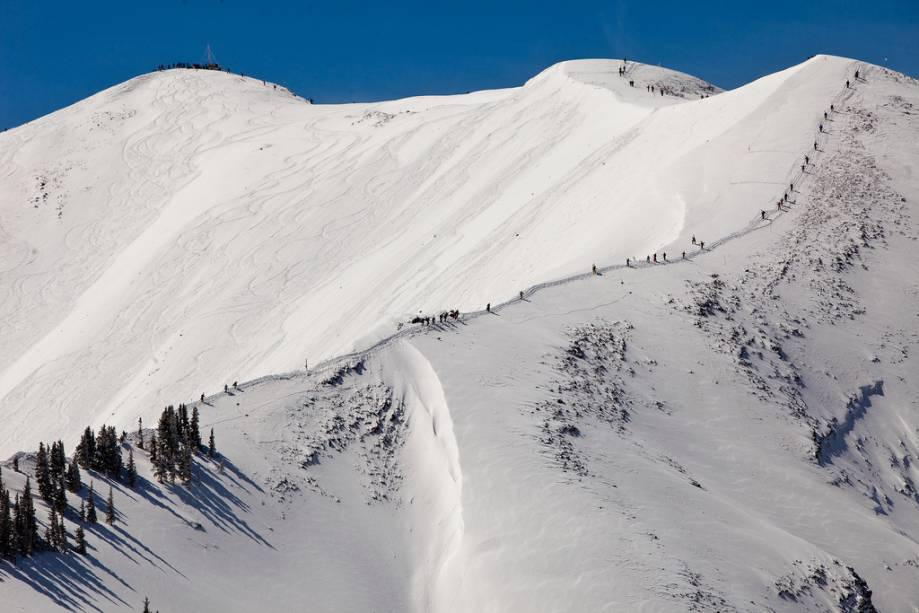 Uma das quatro temporadas do resort, Aspen Highlands oferece algumas das trilhas mais difíceis e controversas dos Estados Unidos.