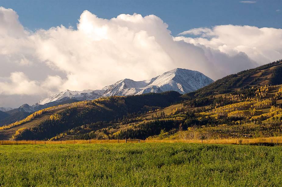 Fora da temporada de inverno, Aspen também oferece boas oportunidades para os visitantes.