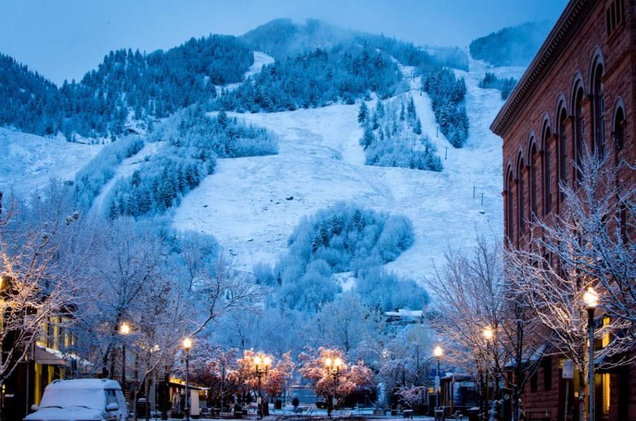 Existem quatro estações em montanhas diferentes: Aspen Mountain, Aspen Highlands, Buttermilk e Snowmass