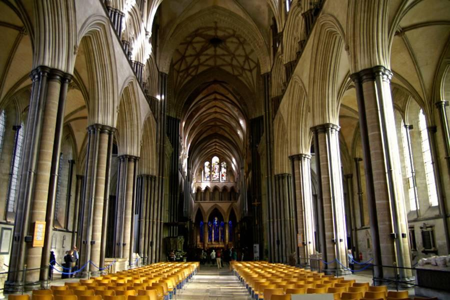 A Catedral de Salisbury, construída no século 13, tem a agulha mais alta da Grã-Bretanha
