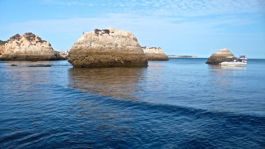 As clássicas e imperdíveis rochas da Praia do Alemão