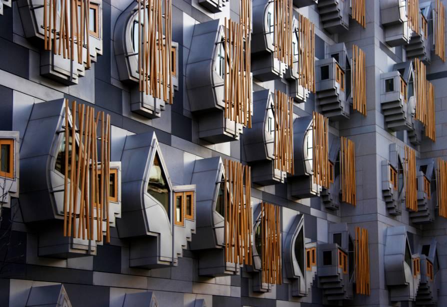 Detalhe da fachada do Parlamento Escocês em Edimburgo