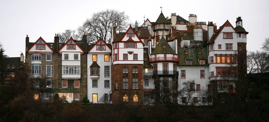 O Ramsay Gardens Block reúne 16 edifícios residenciais de luxo em Edimburgo