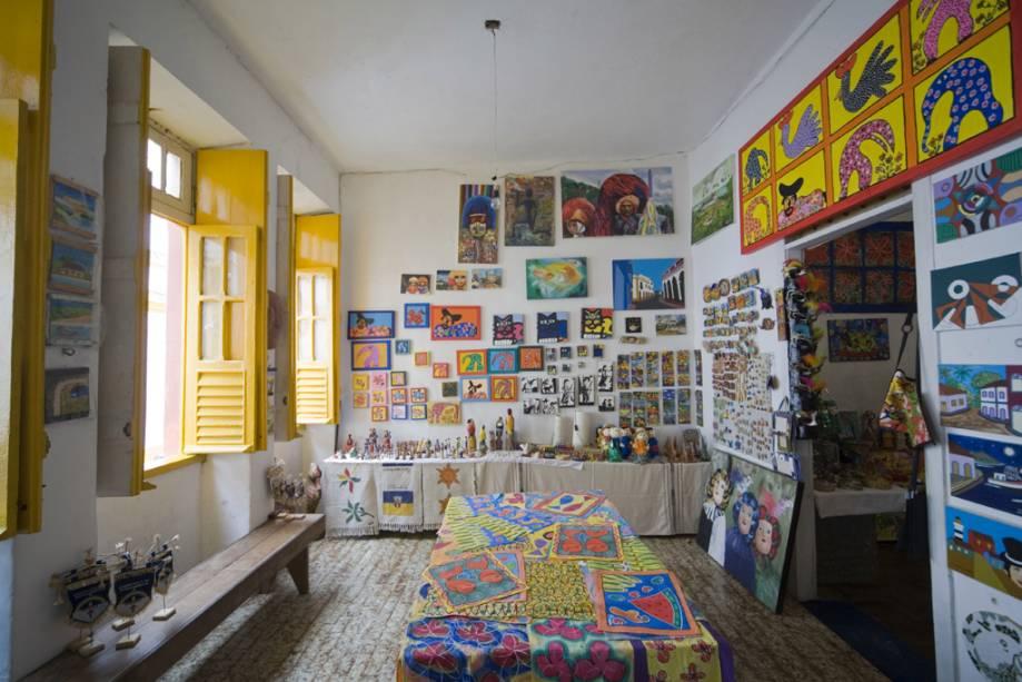 Boutique e ateliê na Rua do Amparo, centro cultural do centro histórico com restaurantes, bares, pousadas, museus e ateliês