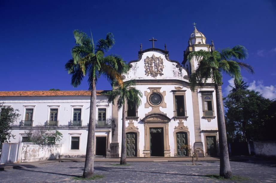 A Igreja e Mosteiro de São Bento é a igreja mais rica de Olinda (PE) e possui um magnífico altar em talha de estilo barroco coberto com 28 kg de ouro
