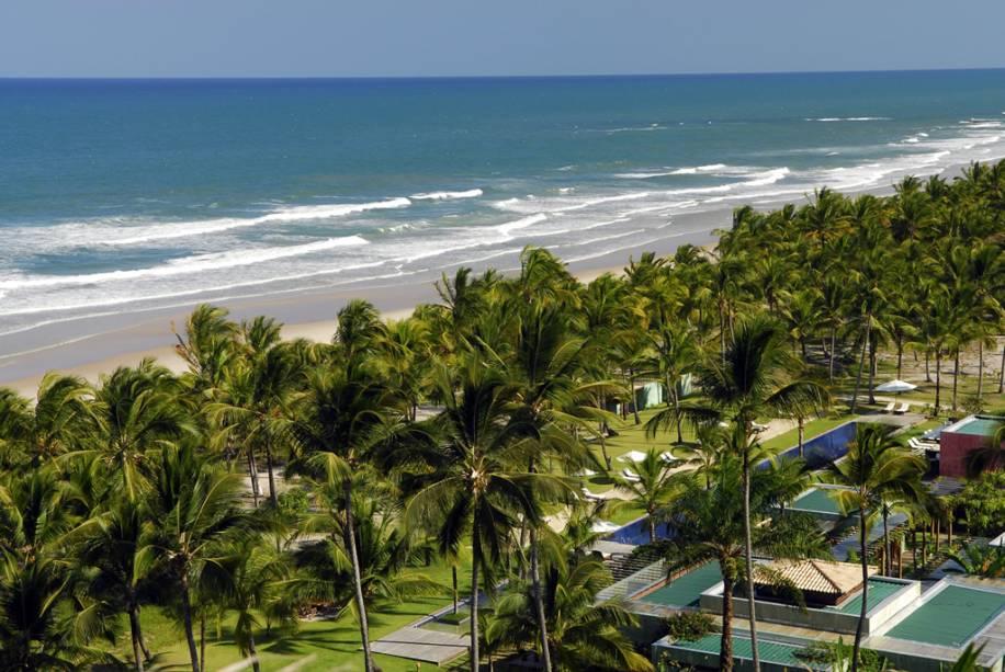 Vista aérea do Txai Resort na praia de Itacarezinho