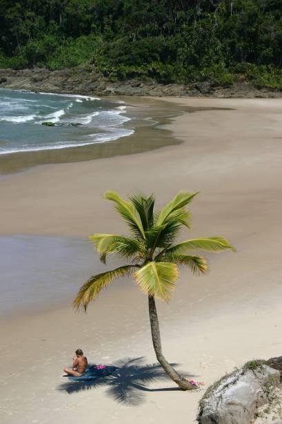 A Praia da Engenhoca fica a apenas 30 minutos a pé da estrada BA-001