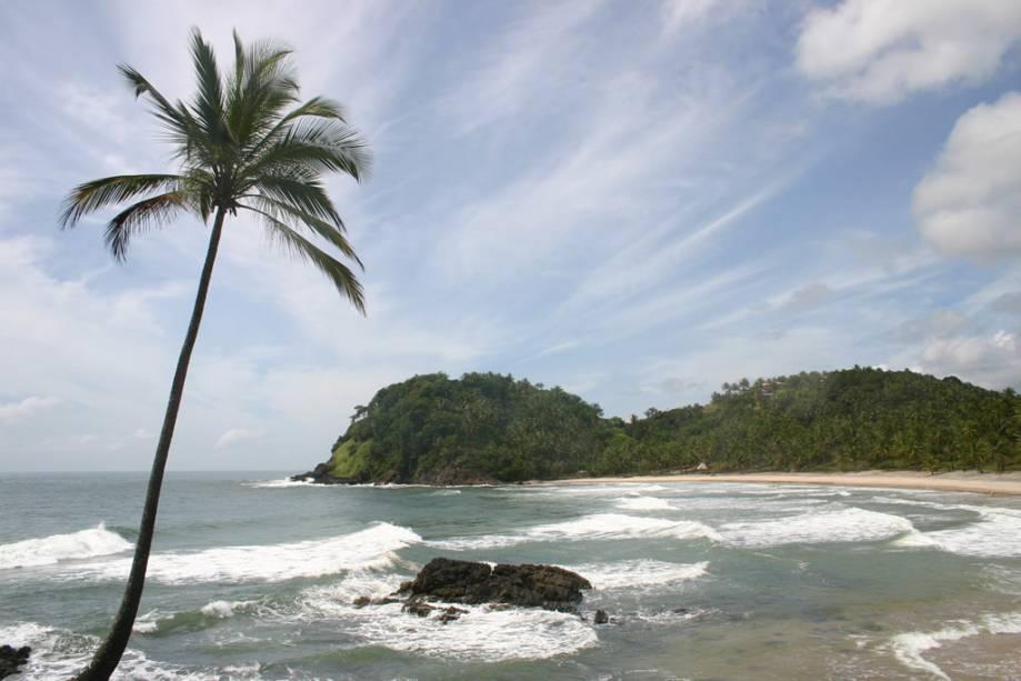 Vista da Prainha, um dos pontos de surfe mais procurados de Itacaré pelo mar agitado e grande quantidade de ondas.