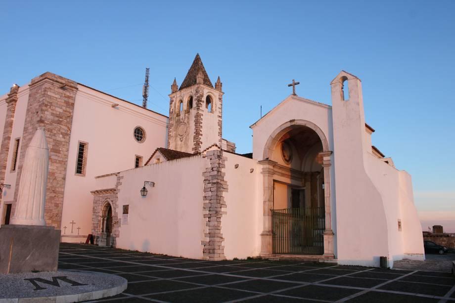 Sé Catedral de Estremoz ao pôr do sol