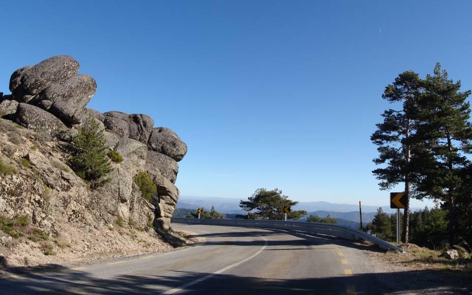 As curvas da Serra da Estrela transformam as suas ruas em belos miradouros