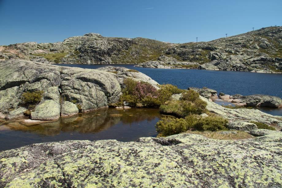 As excursões têm como destino final lagoas e cachoeiras