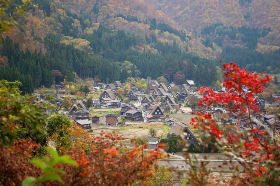 Aldeia de Shirakawago no outono