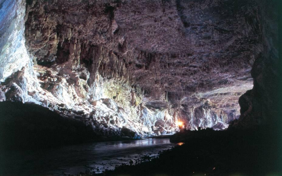 Existem centenas de cavernas no Parque Estadual Terra Ronca, mas menos de 5 estão abertas à visitação