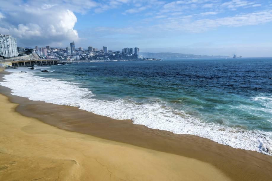 O mar está congelado sob a influência da Corrente Antártica de Humboldt