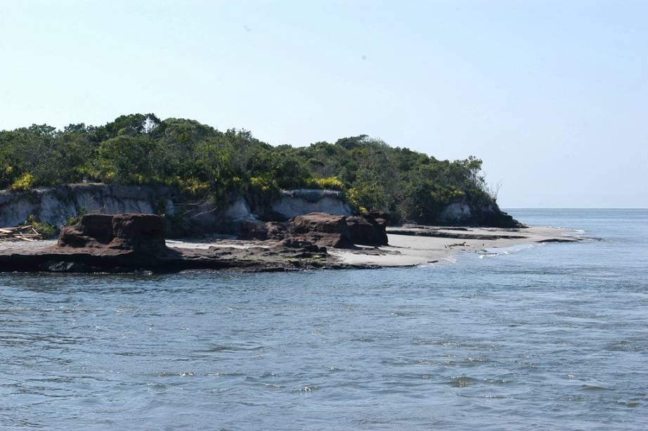 Baía dos Golfinhos no parque estadual da Ilha do Cardoso