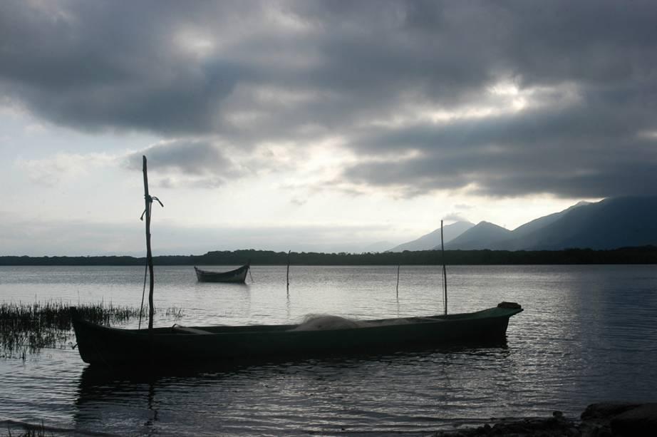 Vista do mar de Cananéia, litoral sul do estado de São Paulo