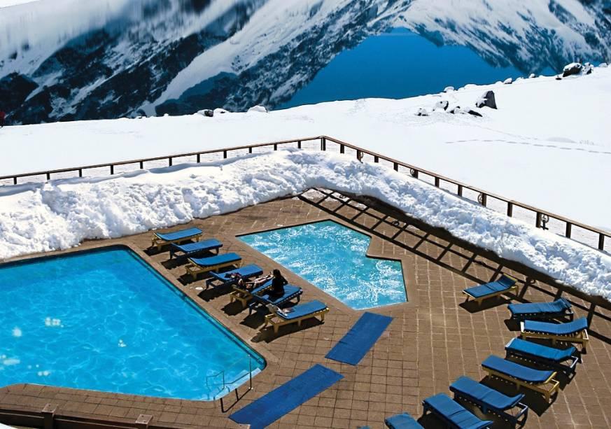 """A piscina aquecida e a banheira de hidromassagem são muito populares no inverno""""http://viajeaqui.abril.com.br/cidades/chile-portillo"""" rel =""""Portillo"""" Meta =""""_vazio""""> Portillo, não""""http://viajeaqui.abril.com.br/paises/chile"""" rel =""""Chile"""" Meta =""""_vazio""""> Chile"""" class=""""lazyload"""" data-pin-nopin=""""true""""/></div> <p class="""