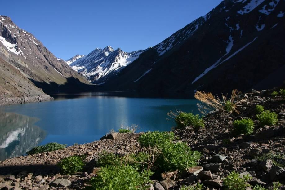 O Laguna del Inca está localizado na estação de esqui de Portillo.  É um dos principais pontos turísticos da região e oferece aos turistas uma vista privilegiada