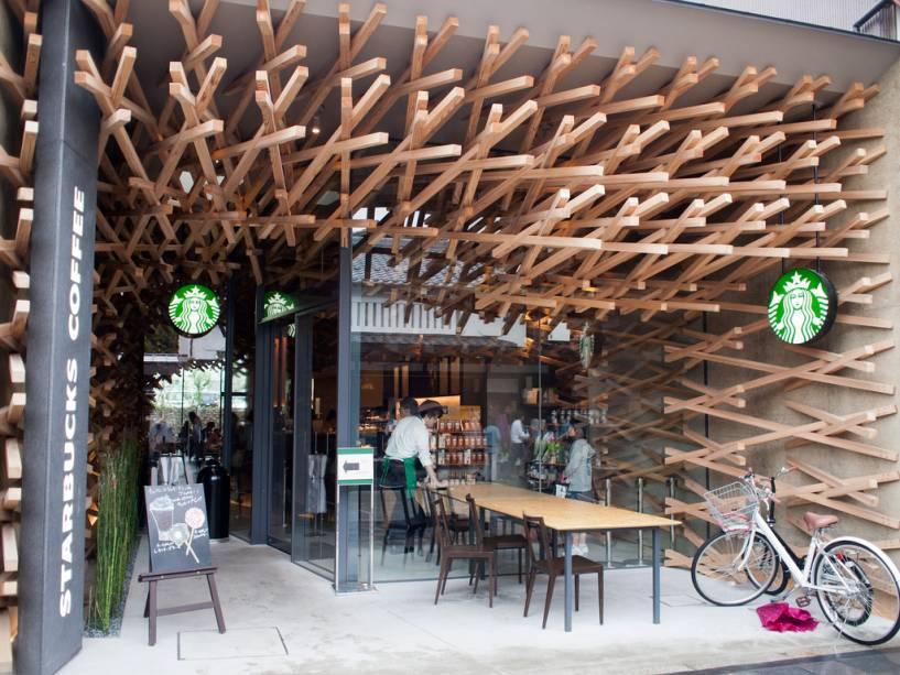 A loja Starbucks em Dazaifu, Fukuoka combina tradição e estilo contemporâneo