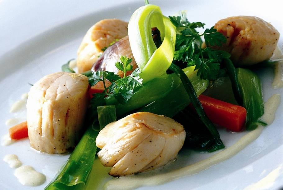 A gastronomia monegasca é essencialmente uma mistura de tudo o que existe entre as costas da Ligúria (Itália) e a Côte d'Azur (França)