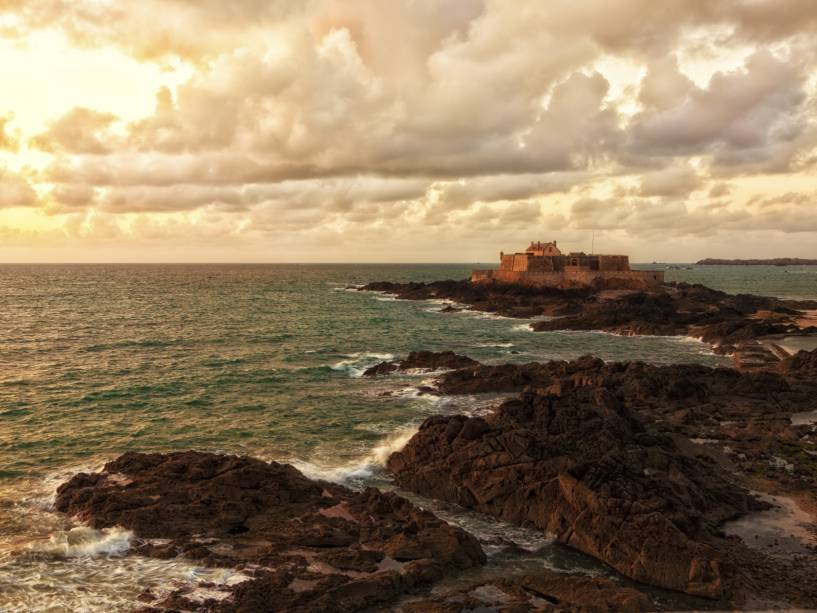 Fim da tarde com o forte de Saint Malo ao fundo