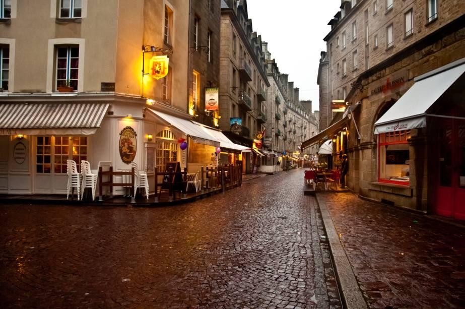 Um passeio pelas ruas do centro histórico é um ótimo programa, de dia ou de noite