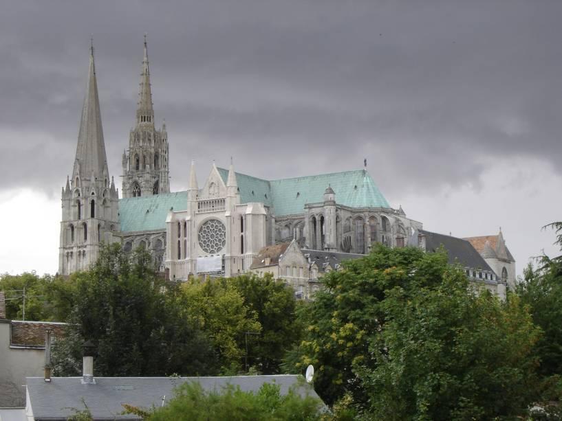 Representação da Catedral de Chartres, uma joia da arquitetura gótica francesa
