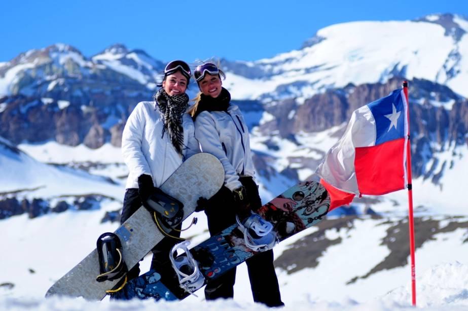 """Valle Nevado é um dos melhores destinos de inverno da América do Sul e possui uma área de esqui de 39 pistas com quatro níveis de dificuldade diferentes.""""http://viajeaqui.abril.com.br/estabelecimentos/chile-valle-nevado-atracao-esqui-em-valle-nevado"""" rel =""""CONTINUE LENDO"""" Meta =""""_ele mesmo""""> LEIA MAIS"""" class=""""lazyload"""" data-pin-nopin=""""true""""/></div> <p class="""