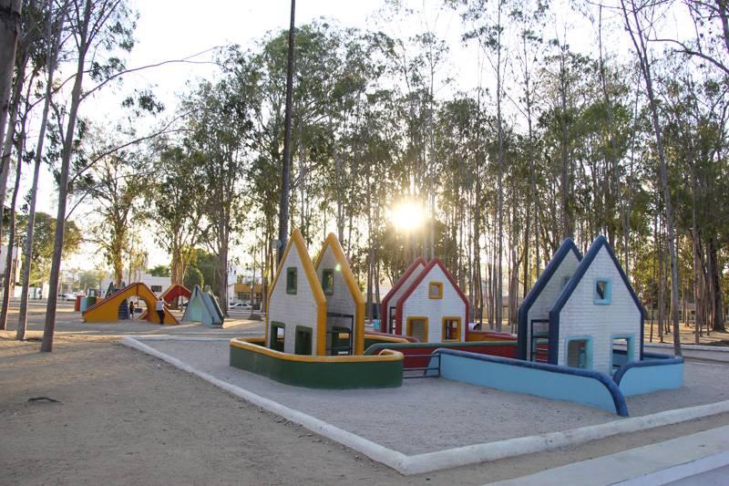 Parque Euclides Dourado, onde os moradores se reúnem para fazer exercícios